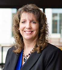 Vancouver, WA business and real estate paralegal - Josaundra Hansen
